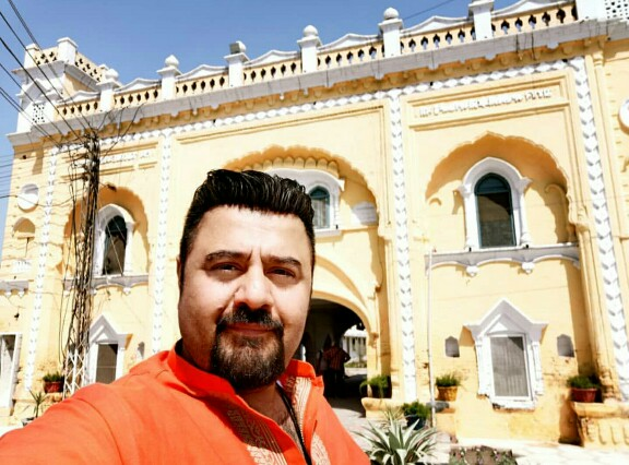 Ahmed Ali Butt Will Host Latest Season Of Desi Kurriyan