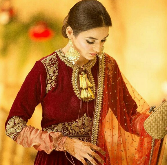 Sadia Khan Stuns In A Maroon Ensemble