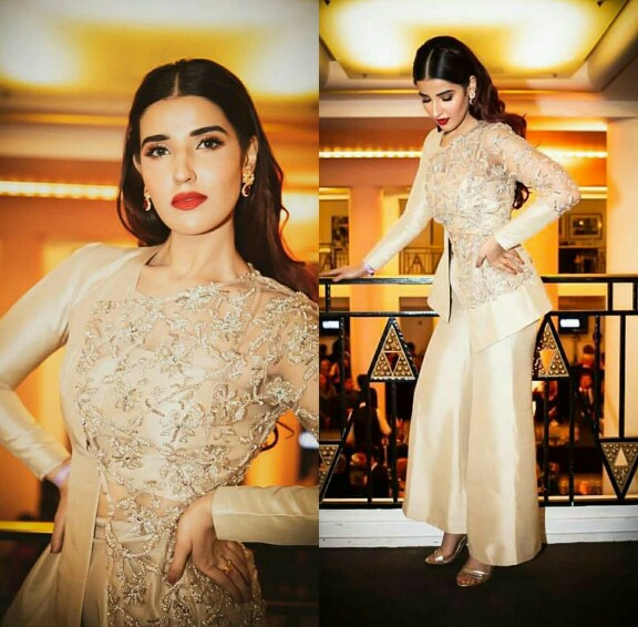 Hareem Farooq Looks From Her Loreal Professional Tour