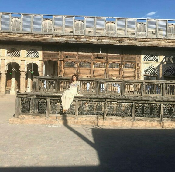 Mahira Khan Soaking Sun In Peshawar