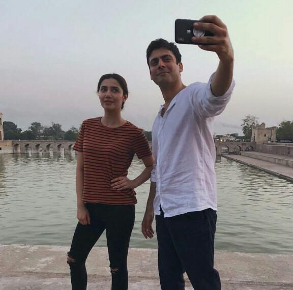 When Maula Took A Selfie With Mukho