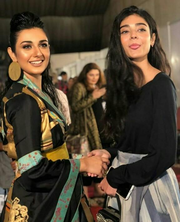 Sarah Khan Looked Stunning On Ramp