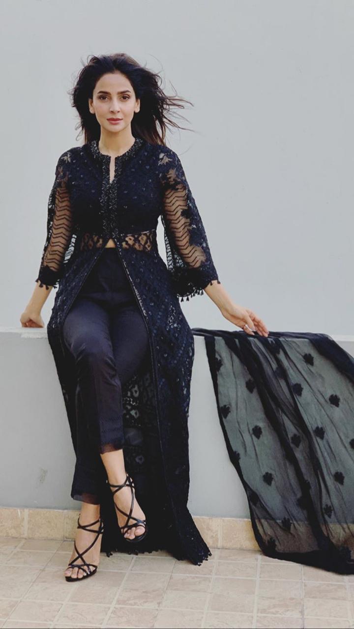 Beautiful Clicks of Gorgeous Actress Saba Qamar