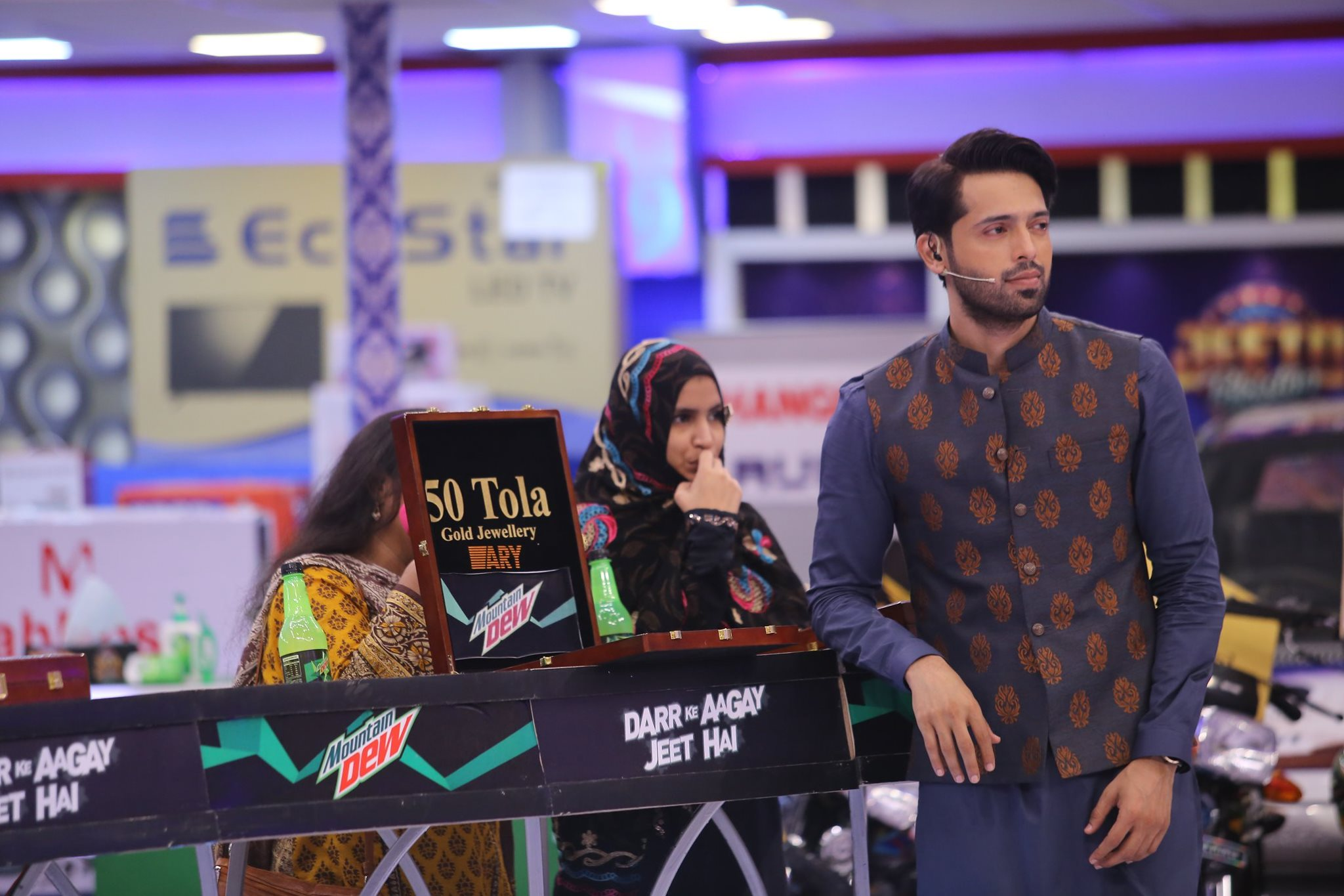 Bulbulay Stars Ayesha Omar & Nabeel in Jeeto Pakistan