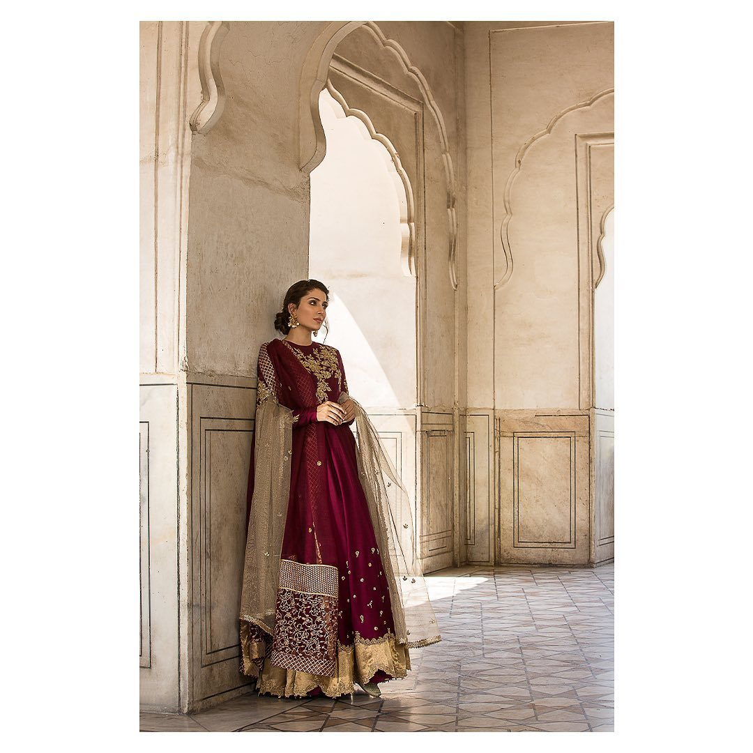 Beautiful Ayeza Khan's Latest Photoshoot for Faiza Saqlain