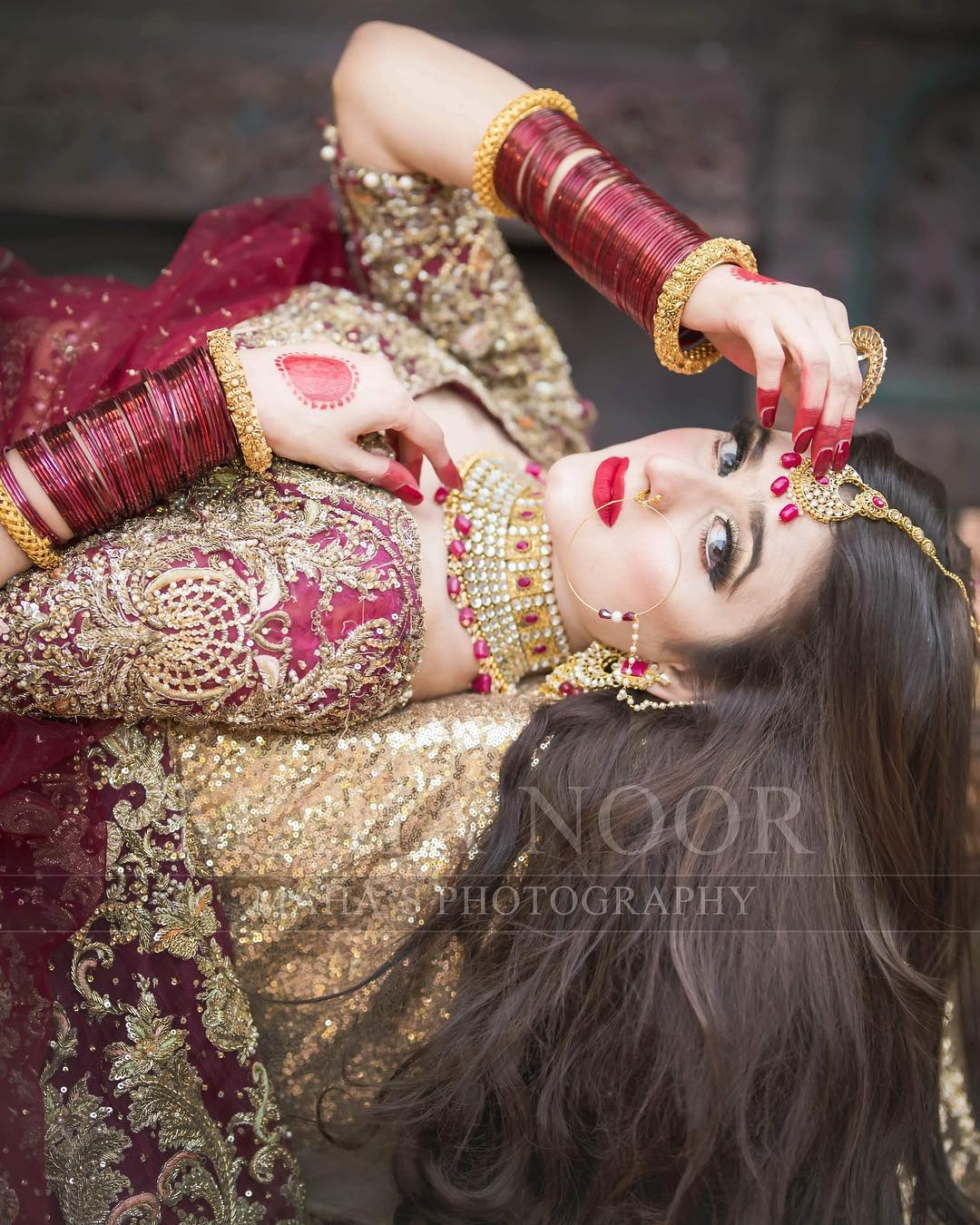 Stunning Photoshoot of Beautiful Actress Hira Mani
