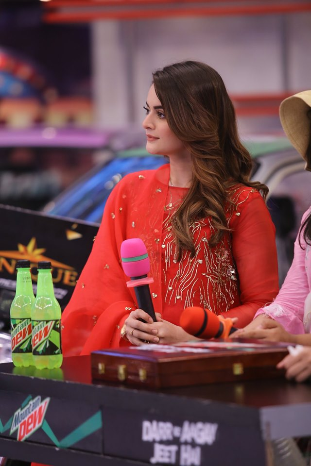Gorgeous Minal Khan & Arij Fatima in Jeeto Pakistan for their Upcoming Drama Hasad