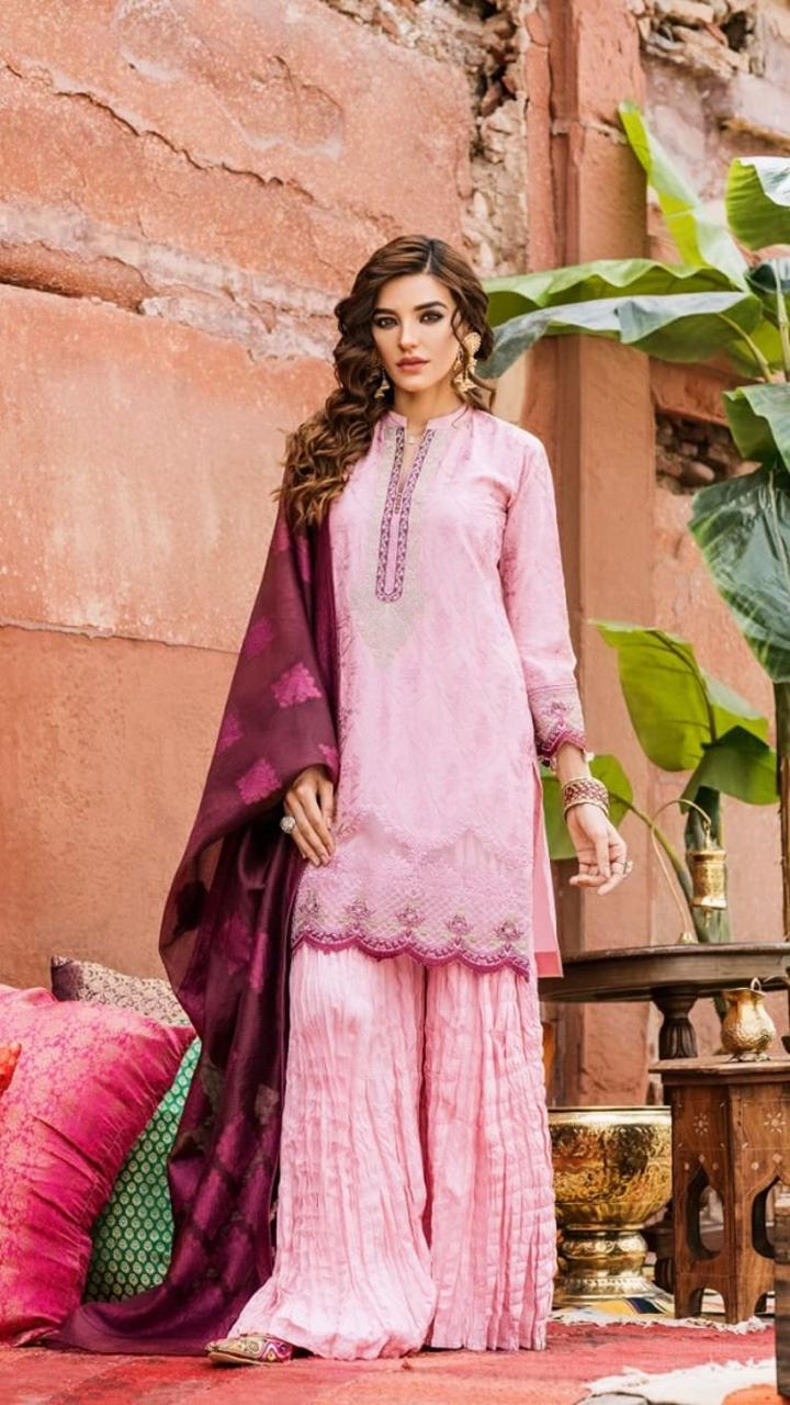 Beautiful Clicks of Actress Sadia Khan from her Latest Photoshoot