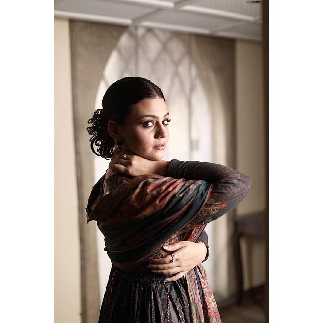 Beautiful Actress Zara Noor Abbas Latest Photo Shoot