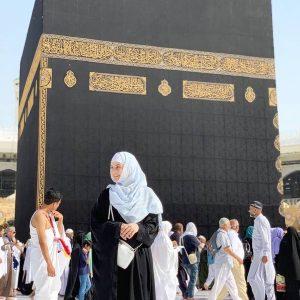 Celebrities Who Are Performing Umrah This Season in Ramazan