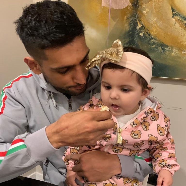 Boxer Amir Khan and Faryal Makhdoom with their Beautiful Daughters
