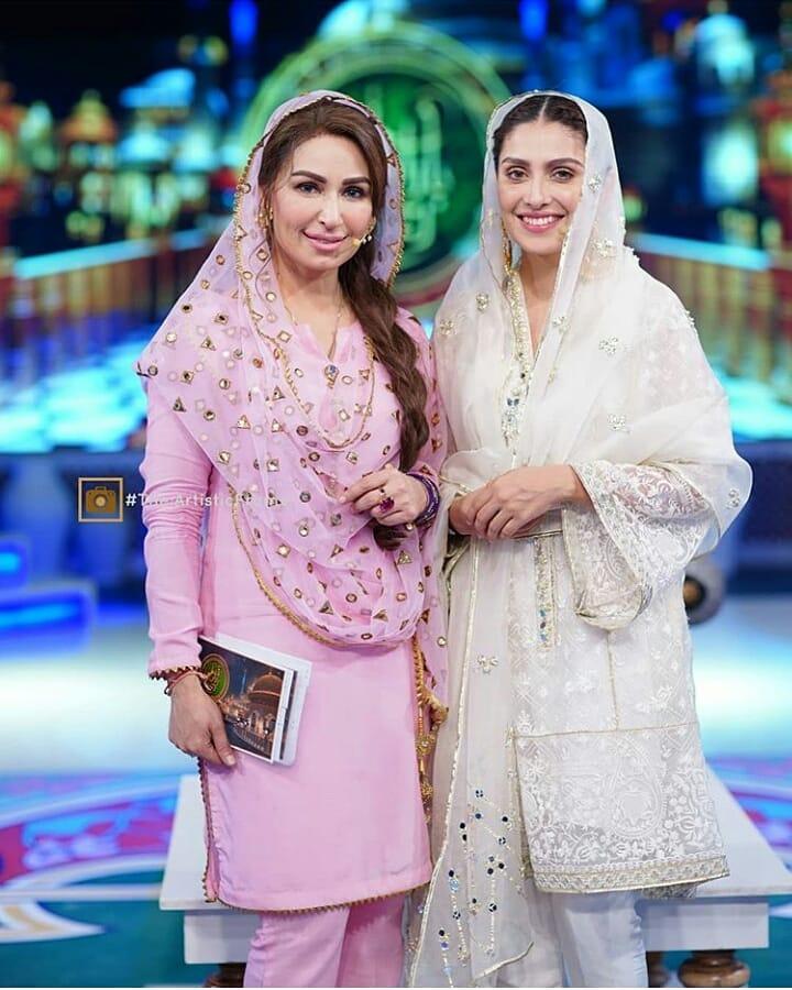 Beautiful Ayeza Khan with Gorgeous Reema Khan in Aaj Tv Ramzan Transmission