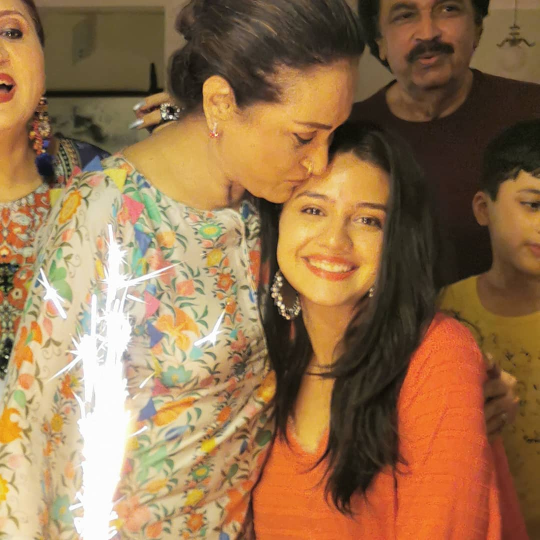 Actress Bushra Ansari Celebrated her Birthday with Friends and Family