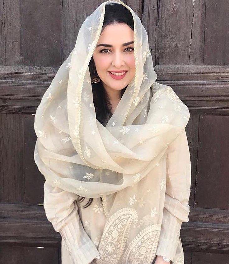 Natasha Khalid of Natasha Salon Performed Umrah with Her Husband