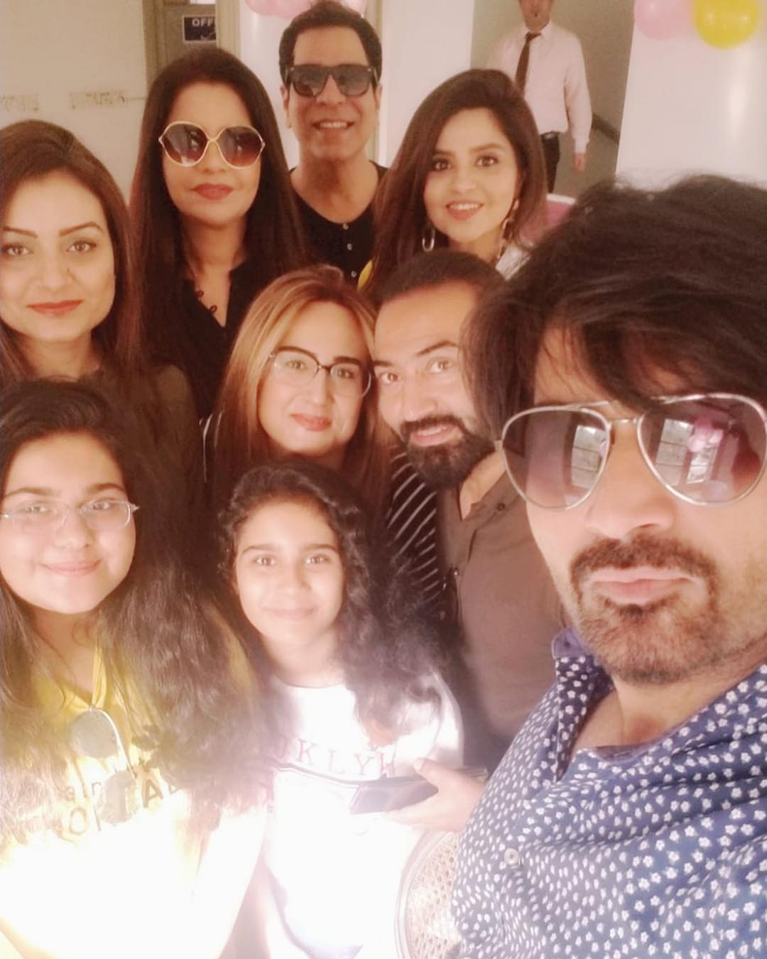 Humayun Saeed Celebrated Wedding Anniversary with his