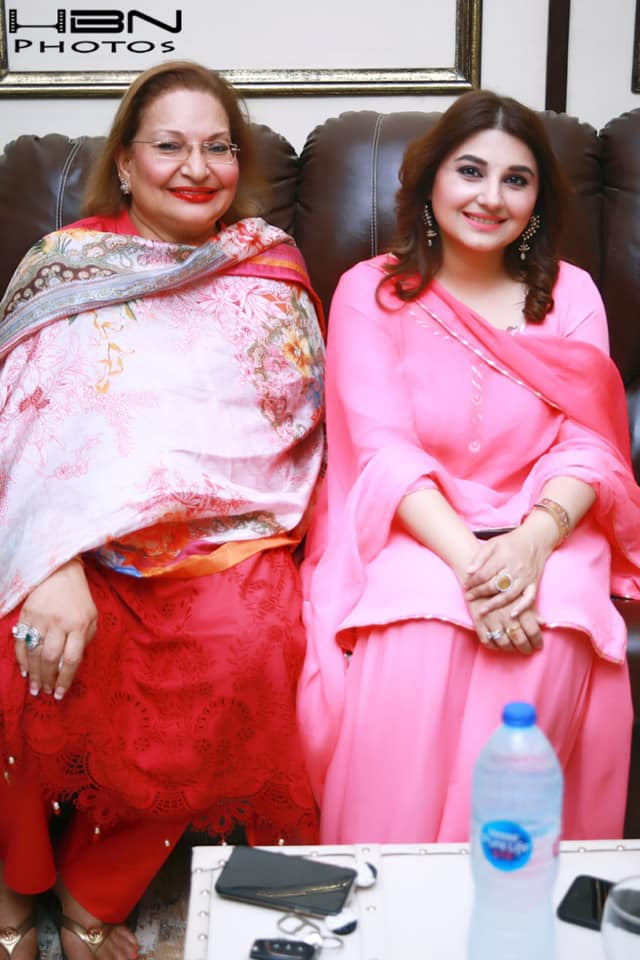 Pakistani Celebrities at Qawali Night Hosted by Javeria and Saud at their Home