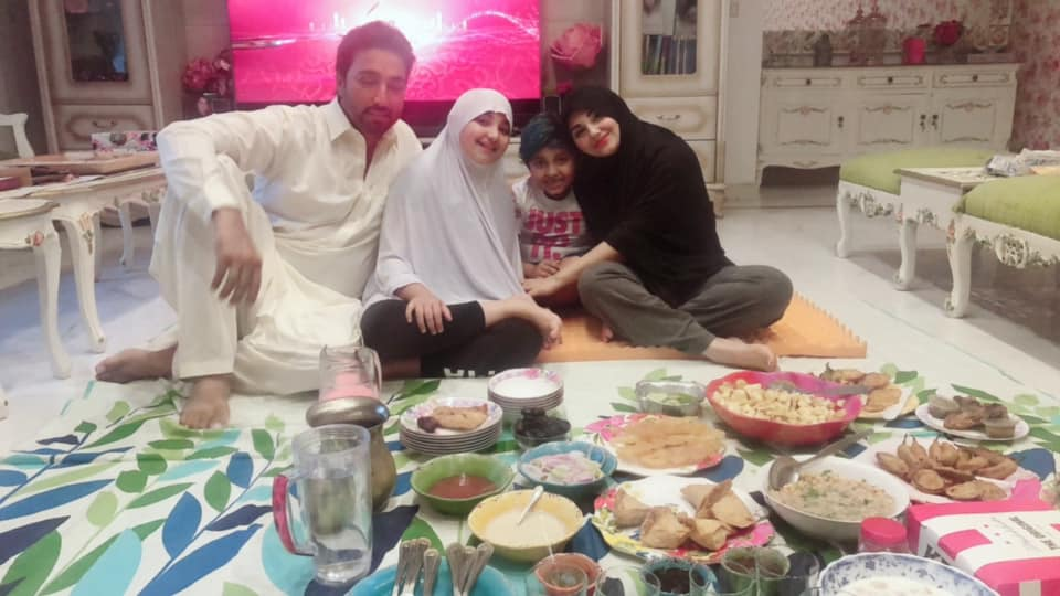 Latest Beautiful Pictures of Javeria Saud with her Family