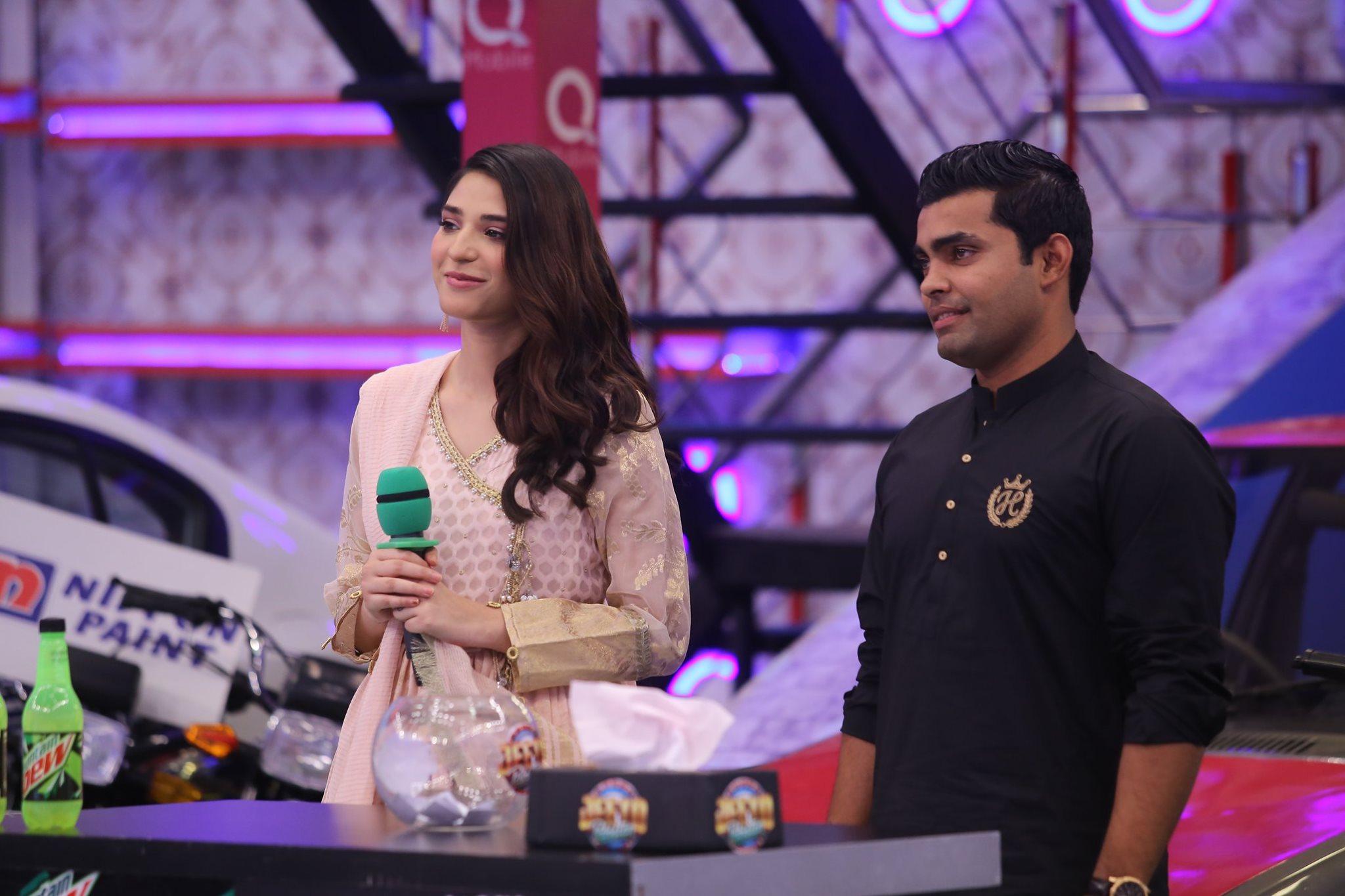 Ramsha Khan & Umar Akmal Appeared in Today's Jeeto Pakistan