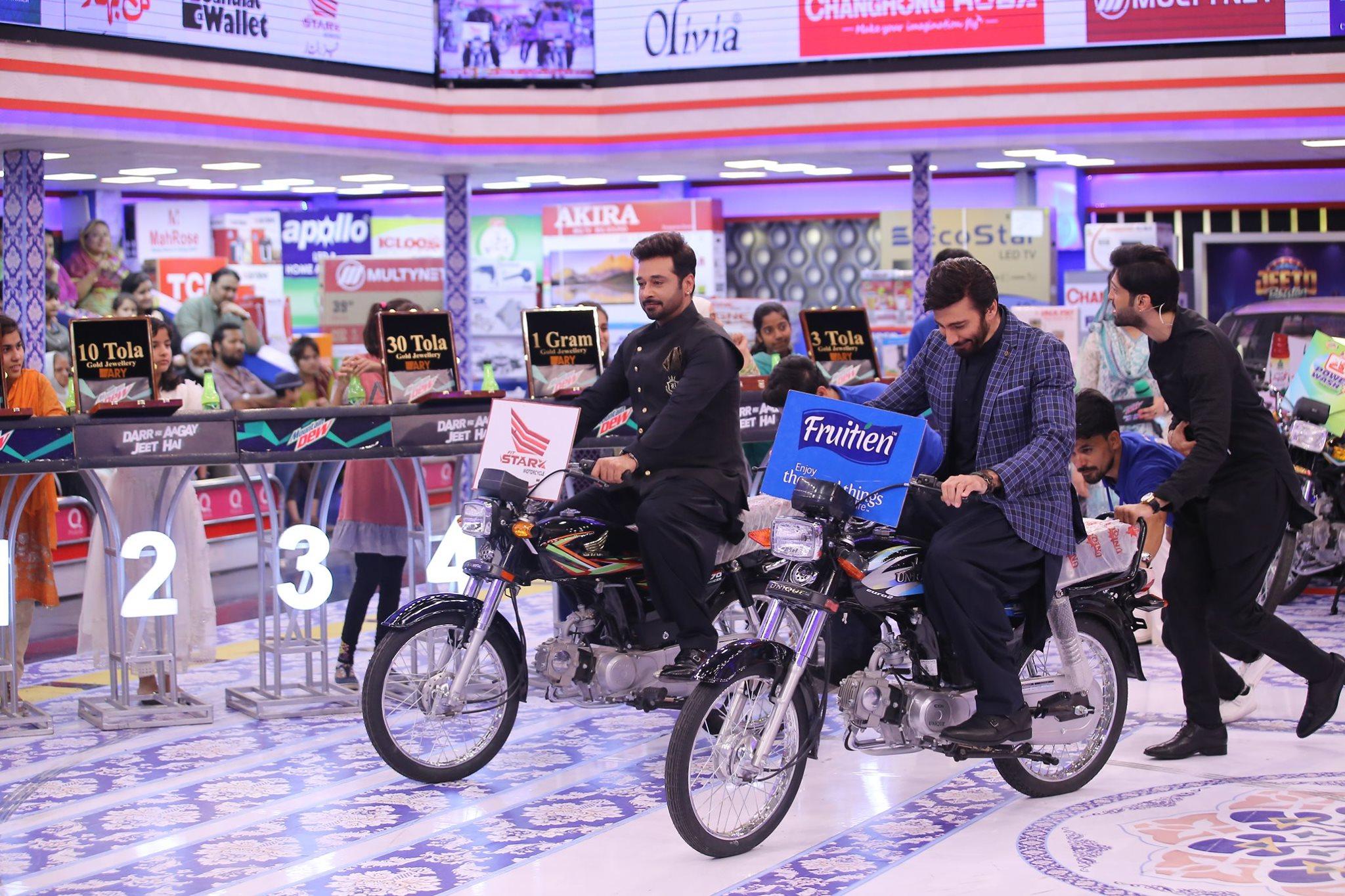 Talented Actors Faisal Qureshi & Ijaz Aslam in Today's Jeeto Pakistan