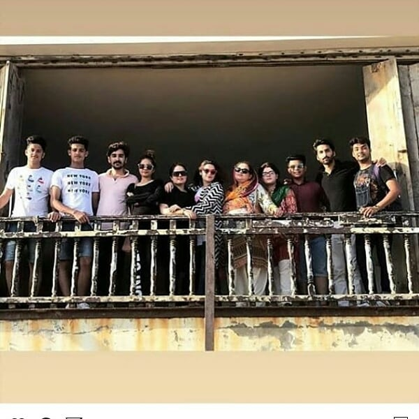 Gorgeous Minal Khan Spent Time with her Friends and Family at Turtle Beach Karachi