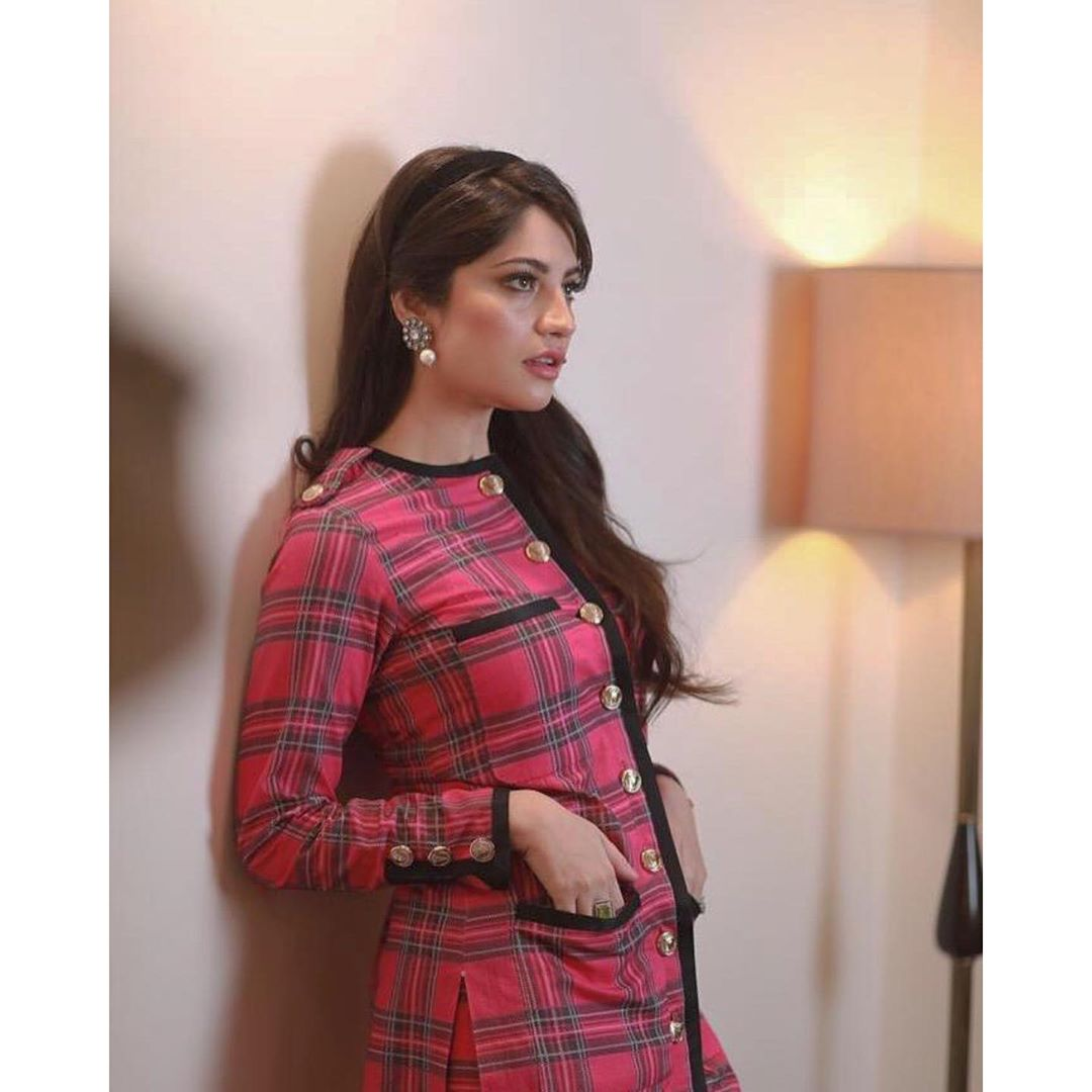 Beautiful Neelum Muneer Khan Latest Clicks from Promotion of Wrong No.2
