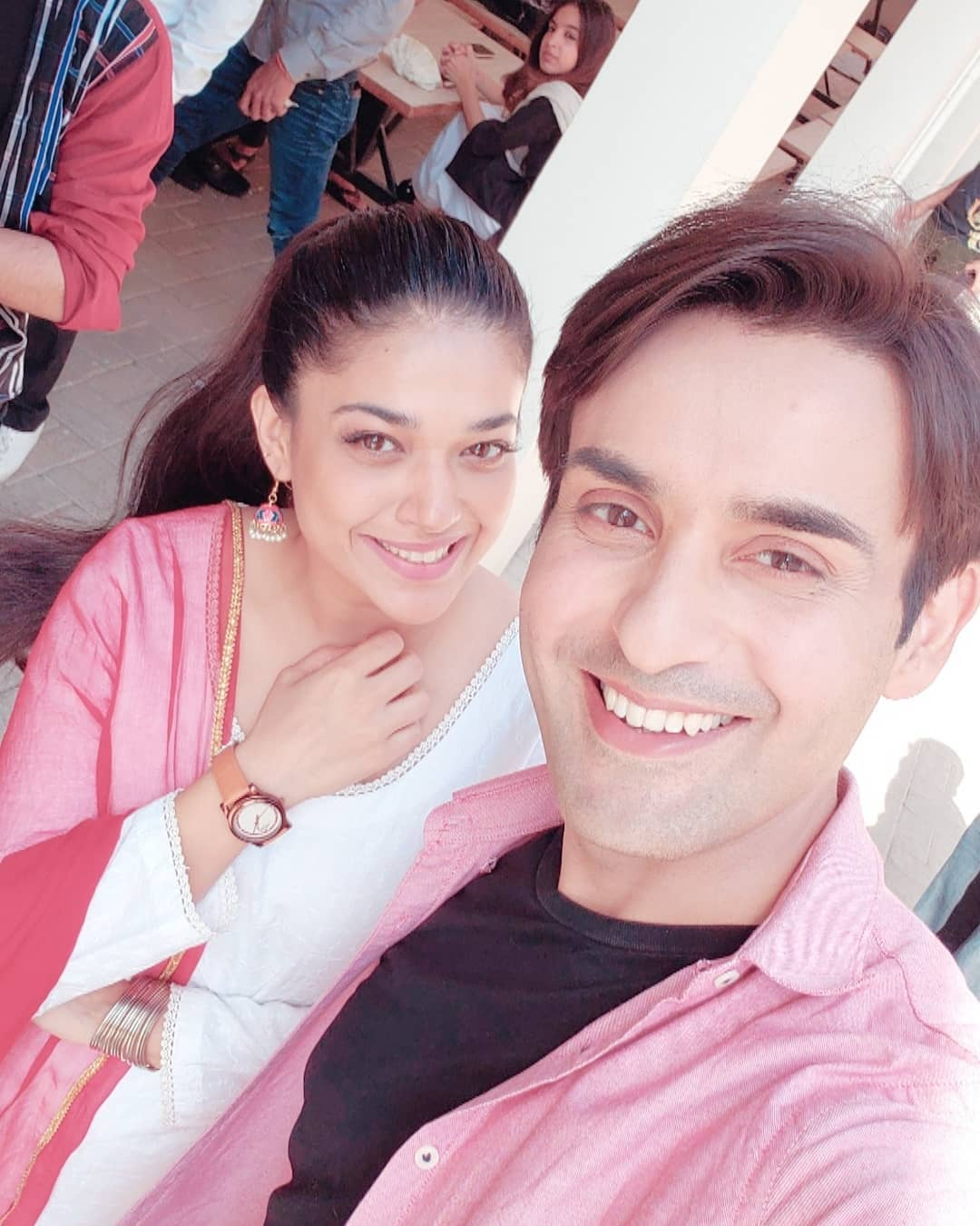 Latest Clicks of Beautiful Actress Sanam Jung with her Husband and Daughter