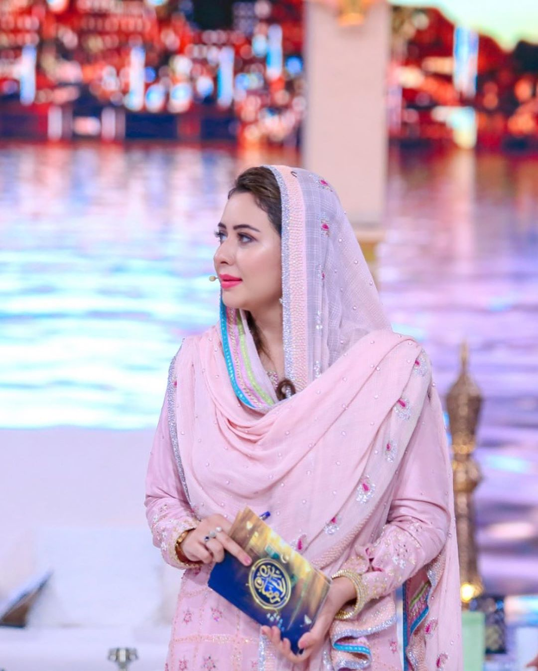 Beautiful Actress Yumna Zaidi in Ehasaas Ramzan Transmission