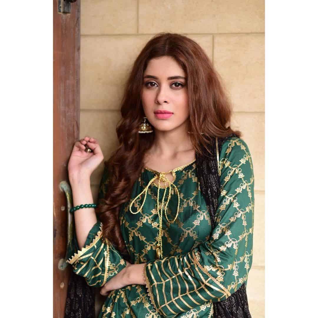 Beautiful Pictures of Talented Actress Azekah Daniel