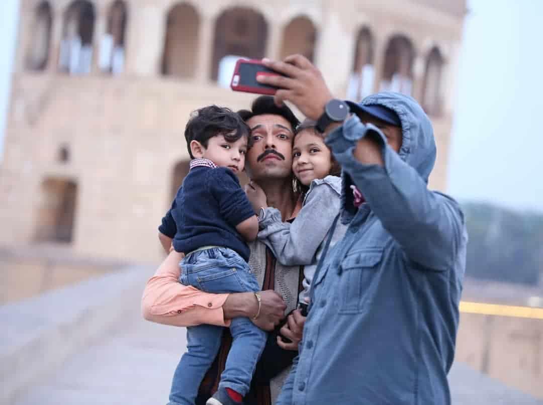 Fahad Mustafa Enjoying Vacations with Family in USA