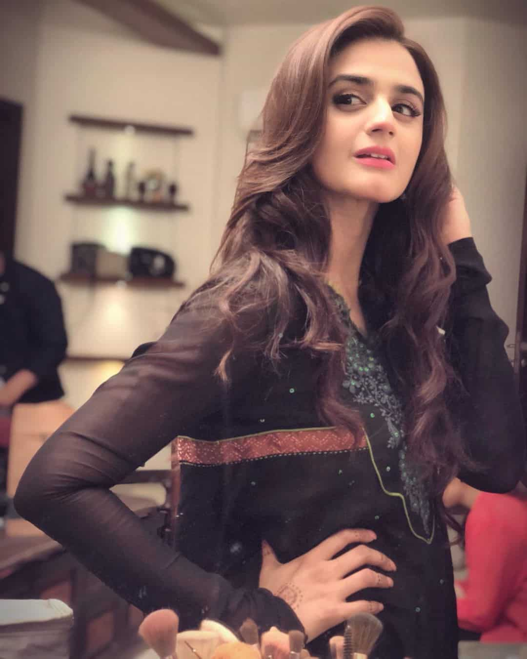 New Clicks of Talented & Beautiful Actress Hira Mani