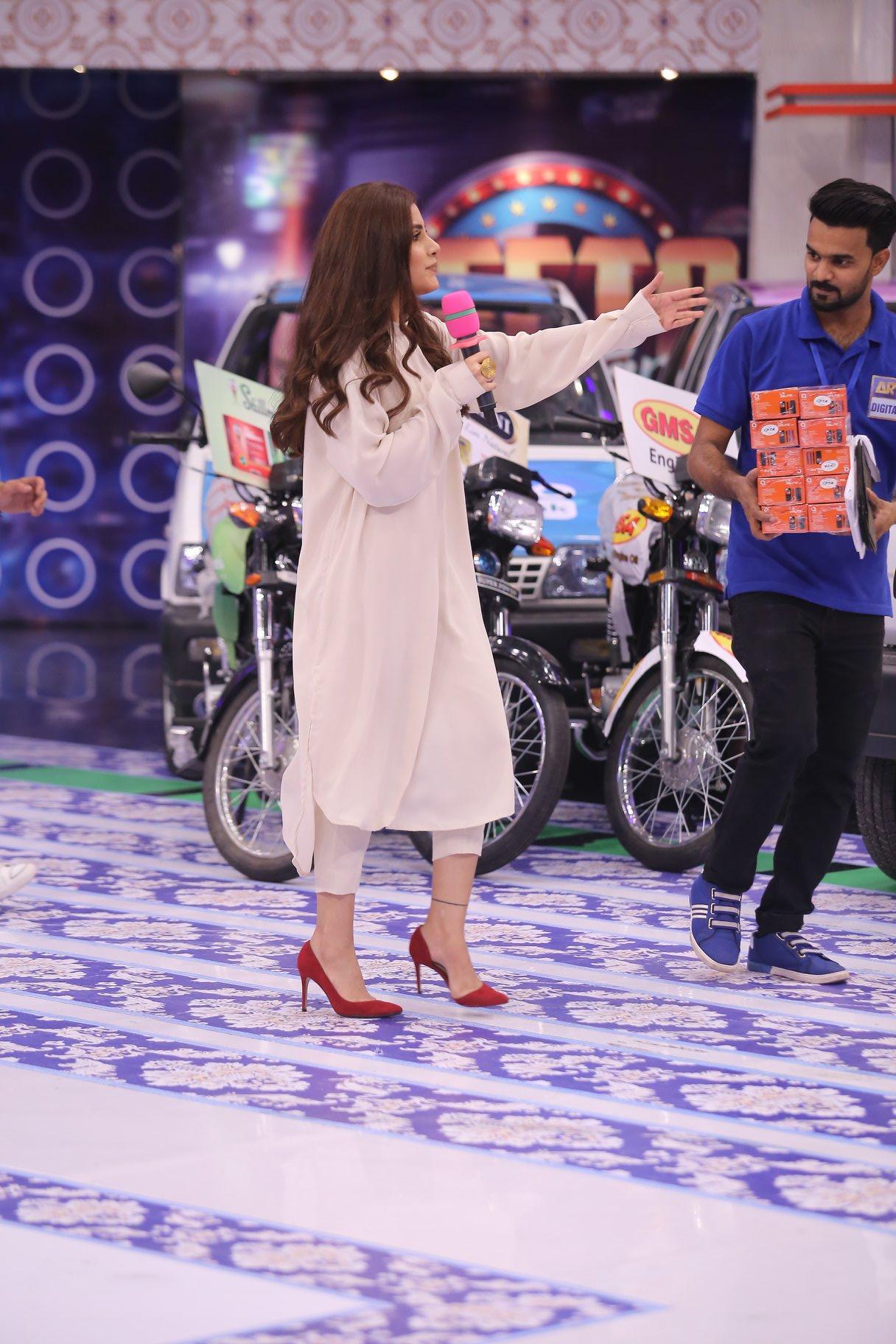 Talented Actors Bilal Abbas Khan & Sohai Ali Abro in Jeeto Pakistan