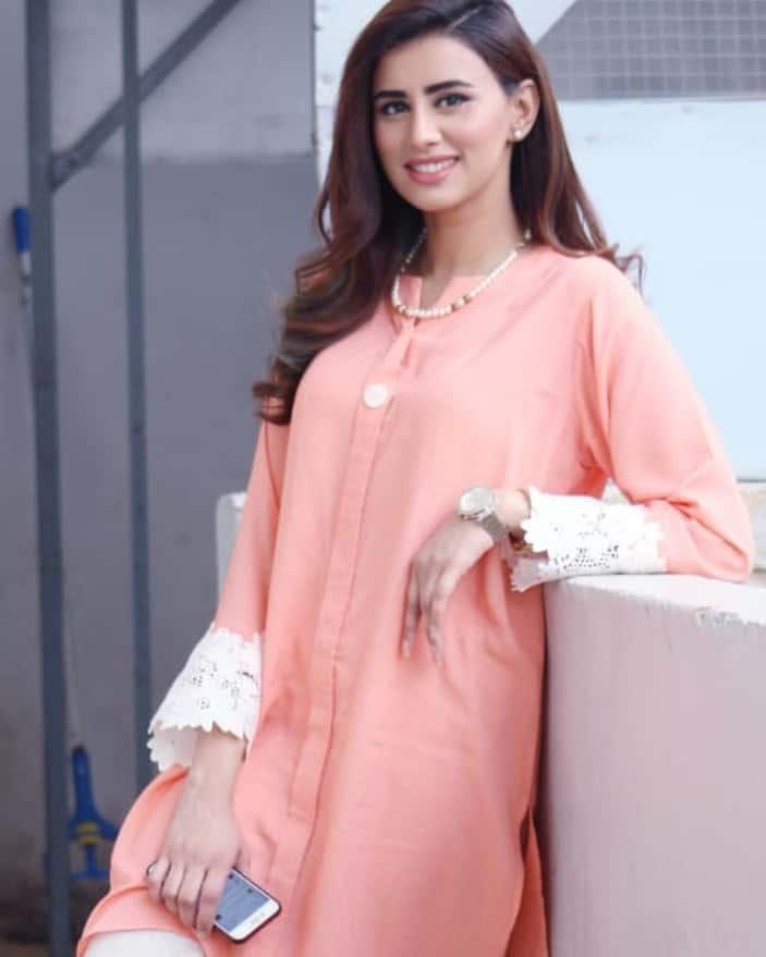 Latest Clicks of Beautiful & Gorgeous Anchor Madeha Naqvi