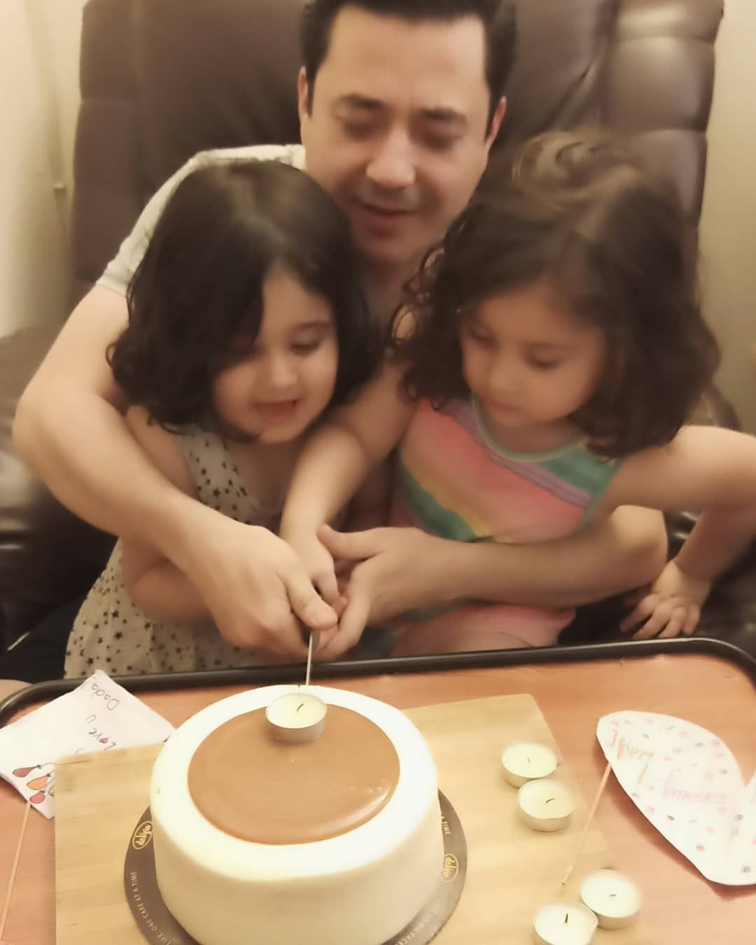 Madiha Rizvi Shared her Husband & Kids Pictures on Father's Day