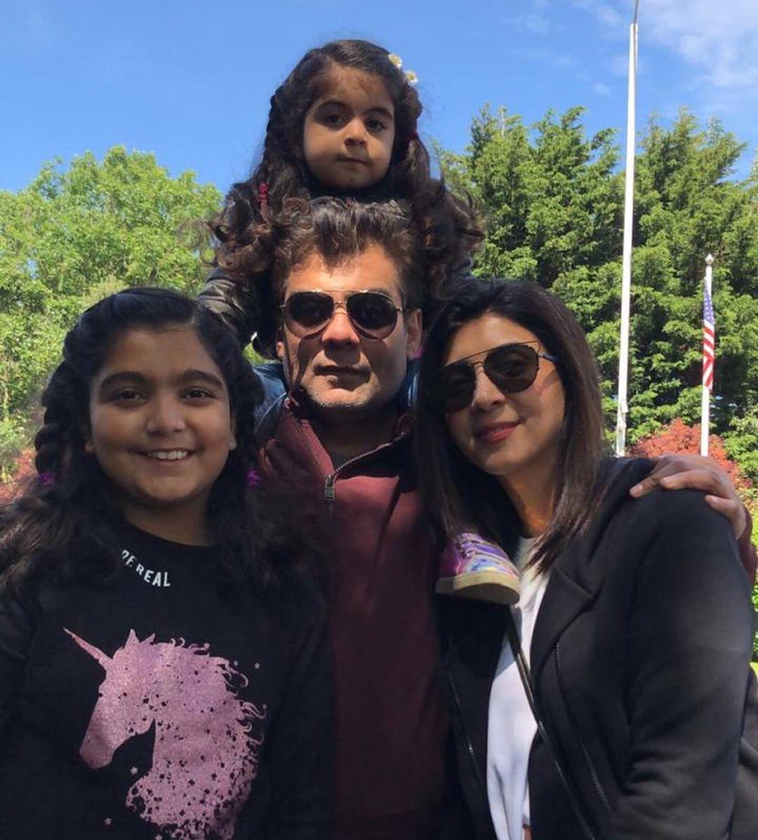 Salman Iqbal Vacationing with his Beautiful Wife Sonya Khan & Kids