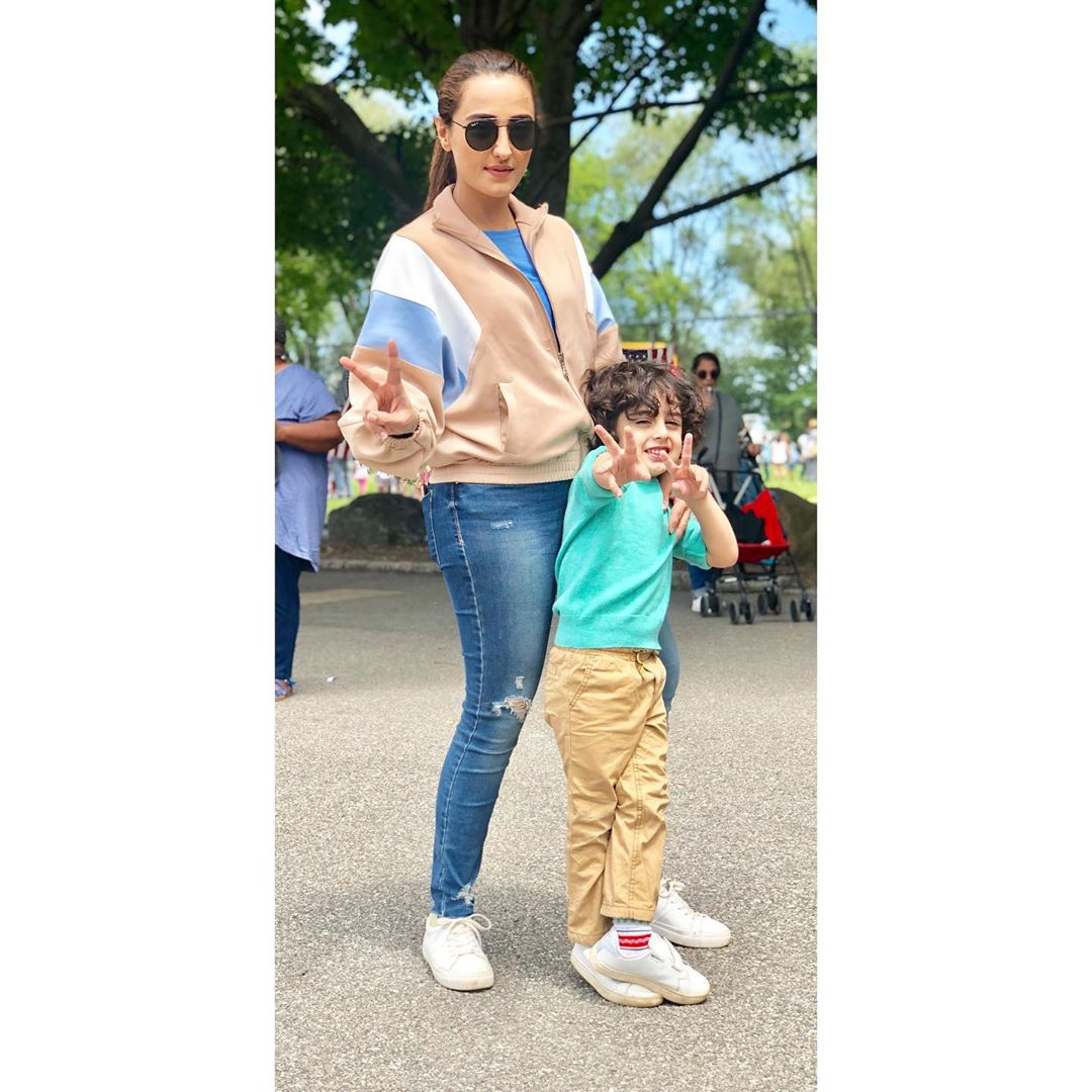 Latest Pictures of Momal Sheikh with her Husband and Son
