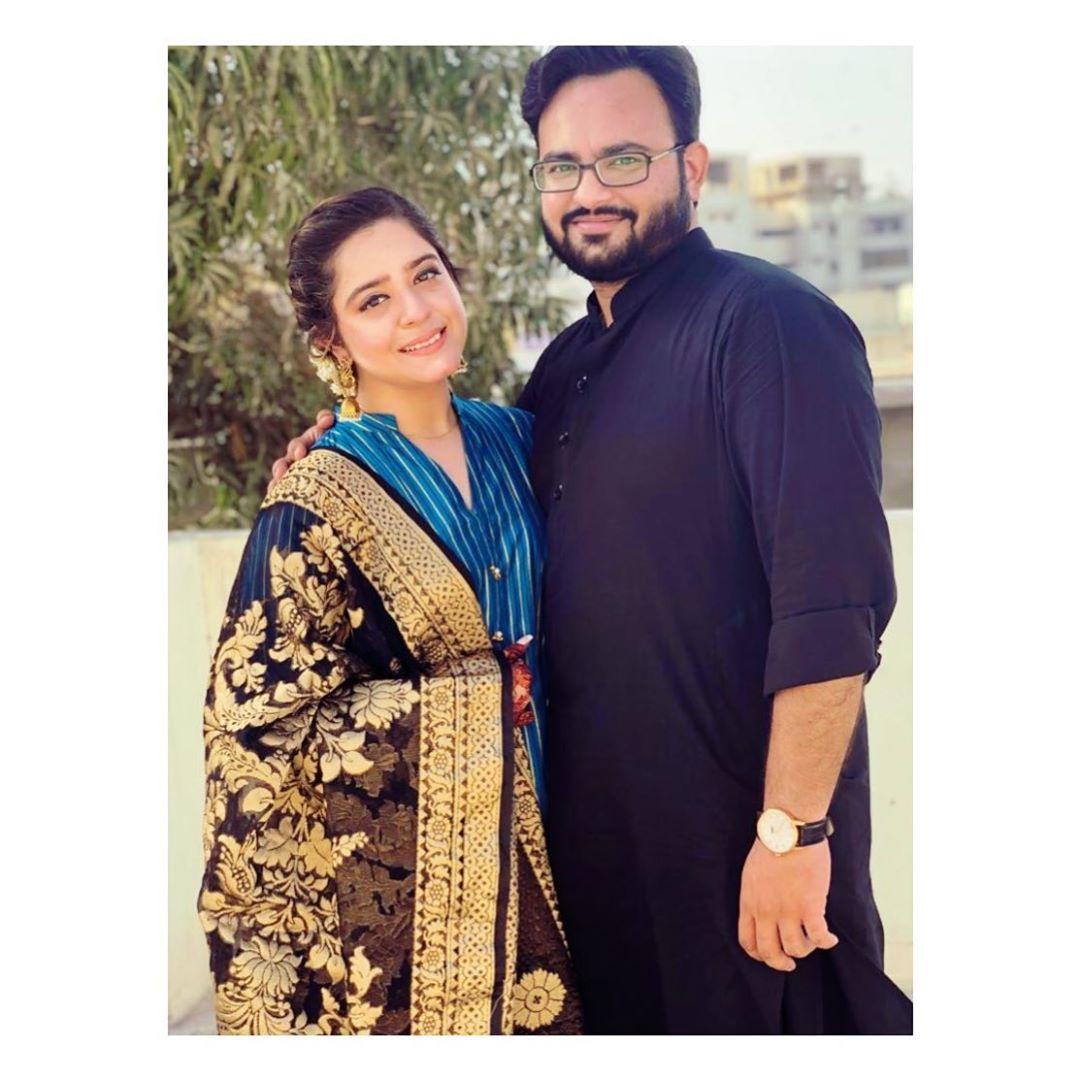 Beautiful Pictures of Actress Sarah Razi Khan with her Husband