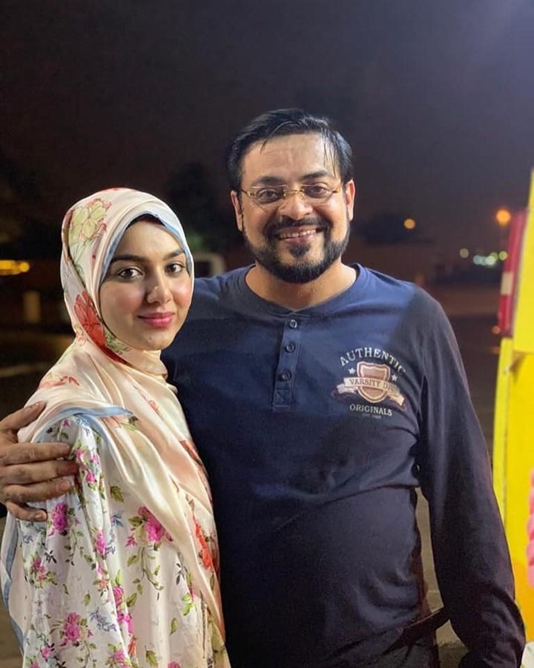 Aamir Liaquat Hussain with wife Syeda Tuba Aamir Visit Madina Munawra