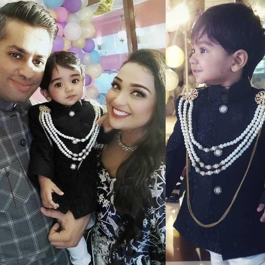 Beautiful Clicks of Uroosa Siddique with her Husband and Son