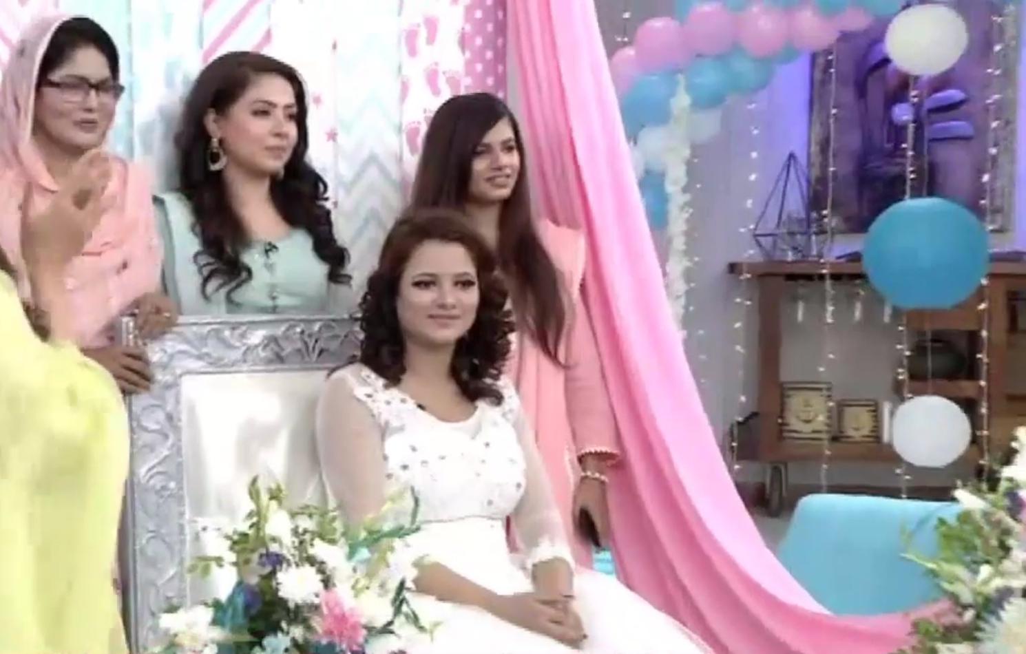 pregnant minza waqas 2