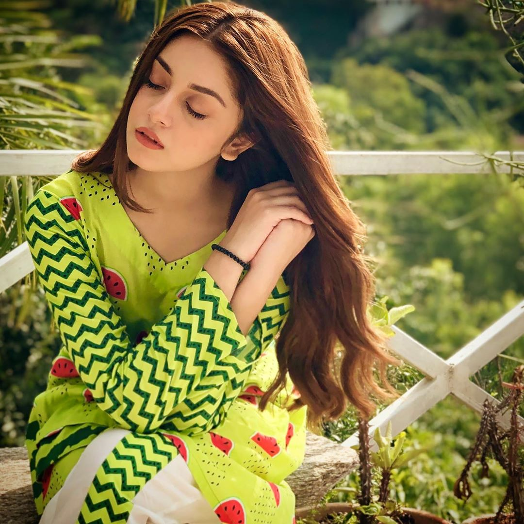 Latest Beautiful Clicks of Gorgeous Actress Alizeh Shah