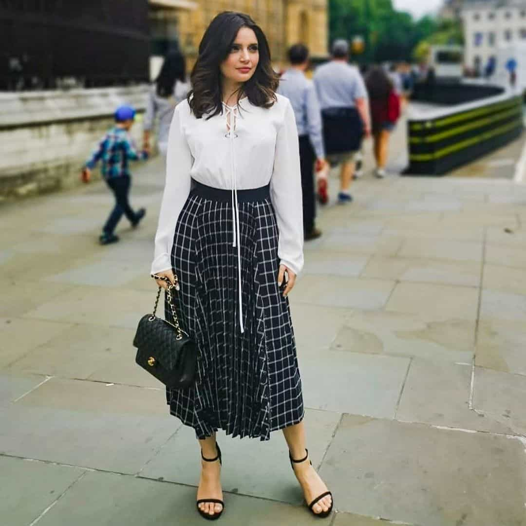 Latest Clicks of Beautiful Actress Armeena Rana Khan