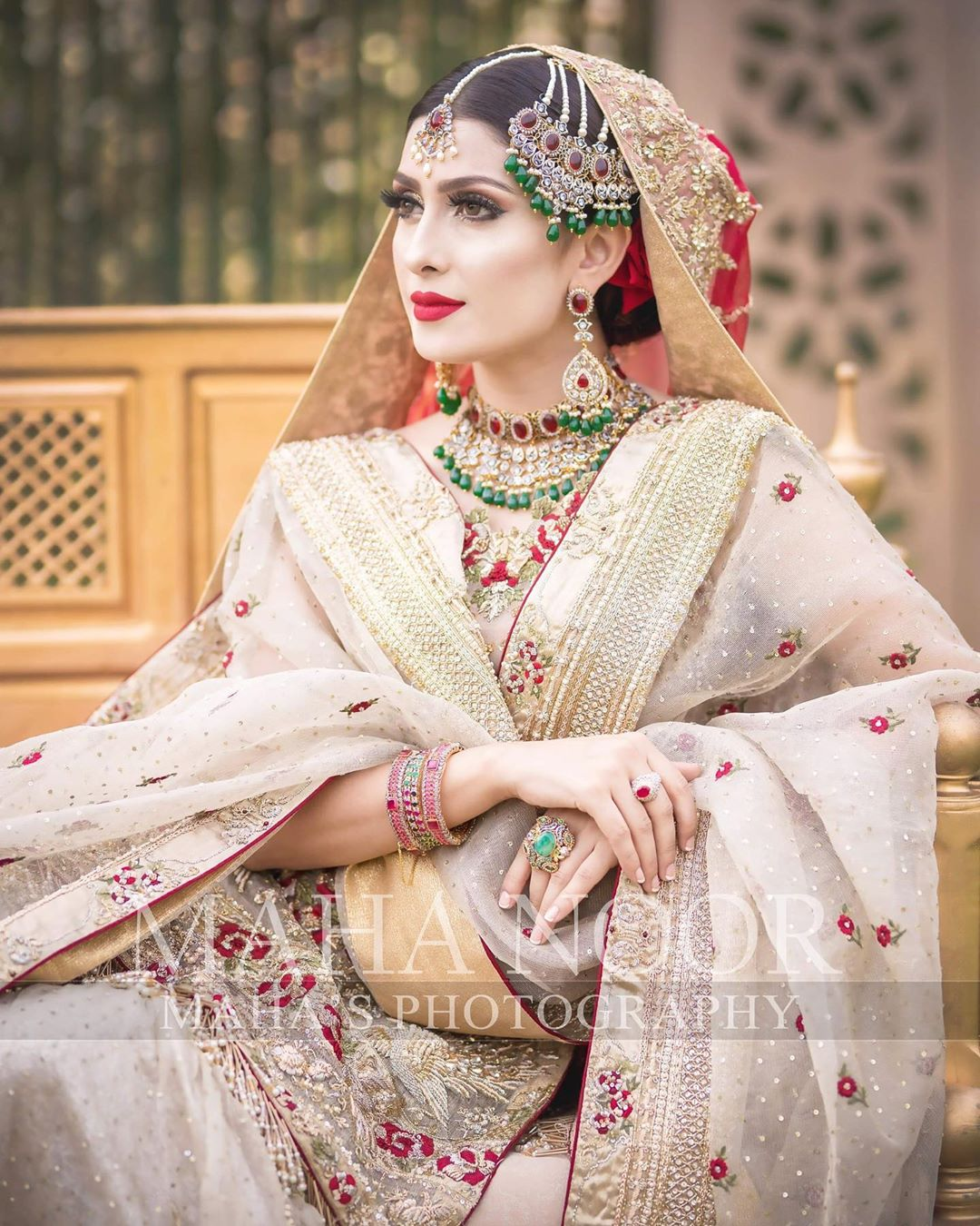 Ayeza Khan Bridal Photo Shoot 8
