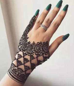 Black Mehndi Designs 9