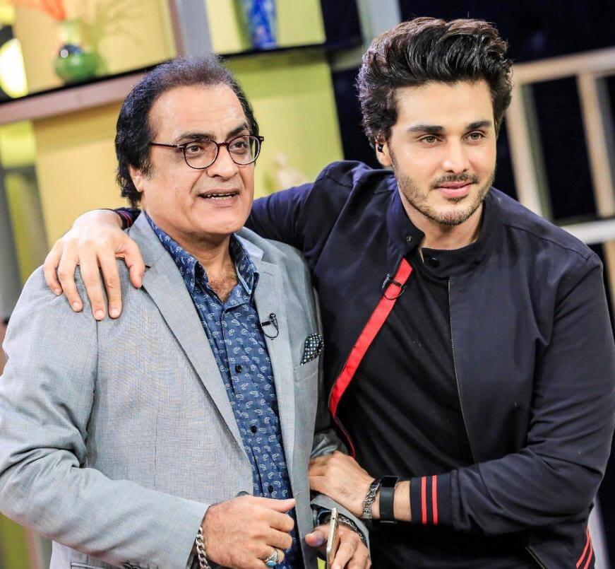 Bulbulay Fame Actors Hina Dilpazeer and Mehmood Aslam on the set of Bol Nights with Ahsan Khan