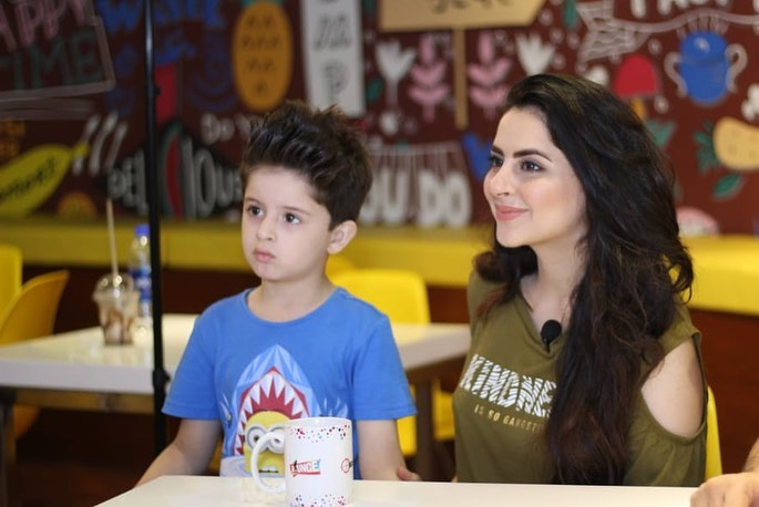 Beautiful Couple Fatima Effendi & Arsalan Kanwar Spotted at a Recent Event with Family
