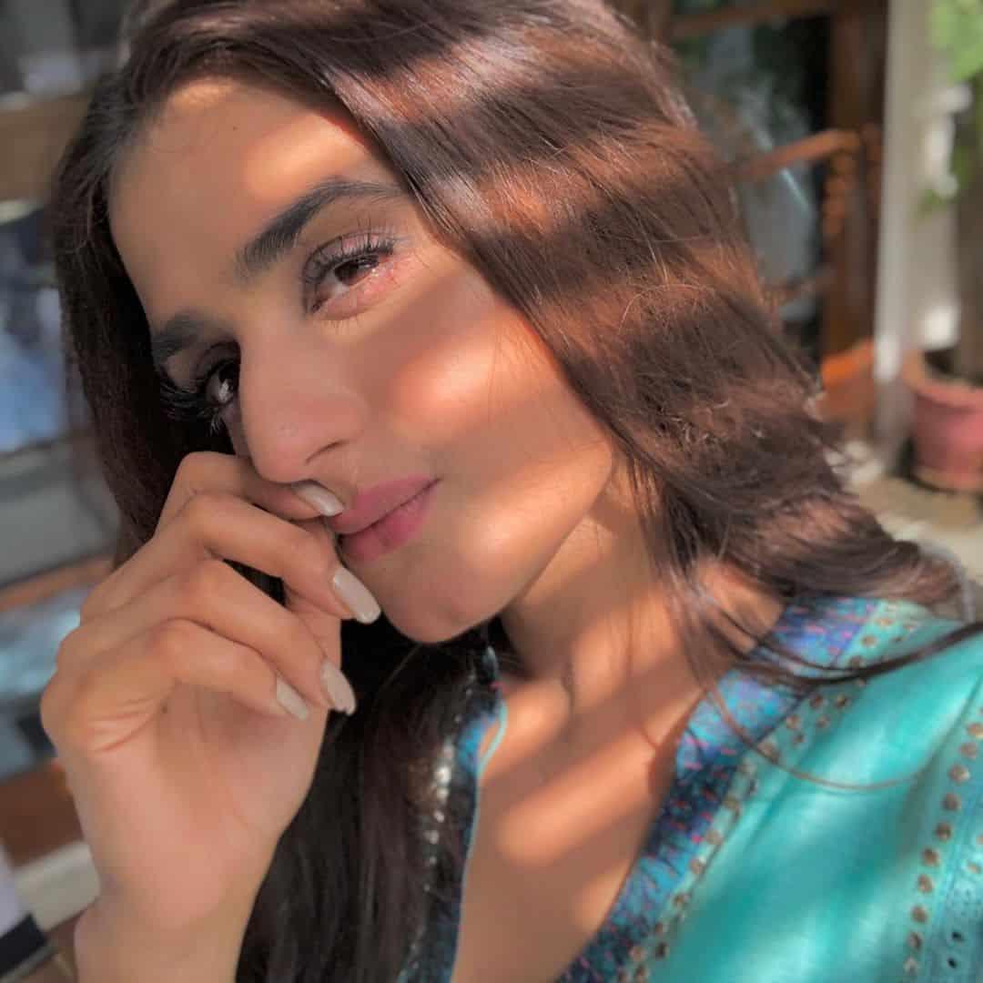 New Beautiful Clicks of Actress Hira Mani