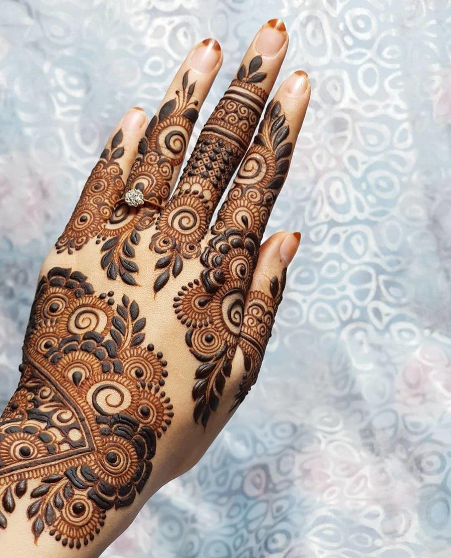 Indian Mehndi Design 25