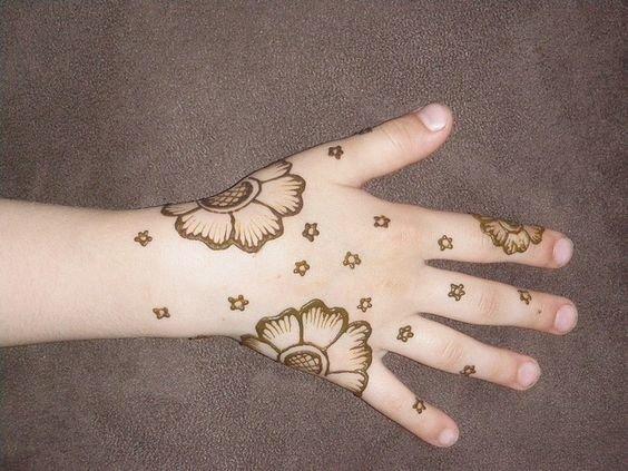 Kids Mehndi Designs 14
