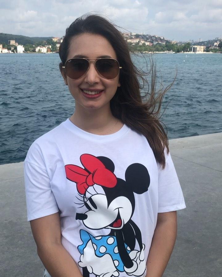 Latest Clicks of Beautiful Actress Komal Aziz in Turkey 10