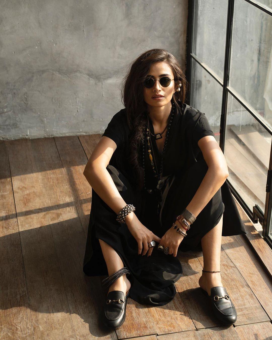 Latest Photo Shoot of Beautiful Actress Sana Javed 8